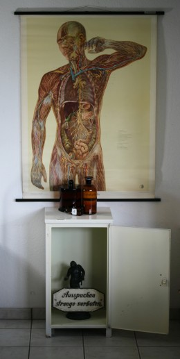 Arztschrank (1)