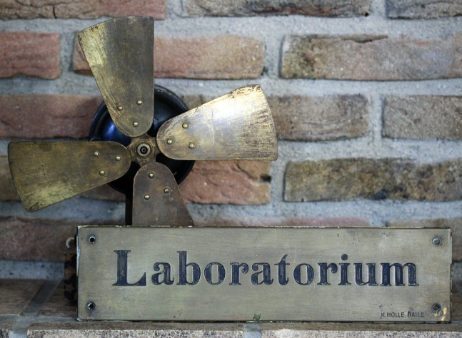 Laboratorium (2)